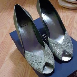 Beautiful metallic silver lace detail kitten heels